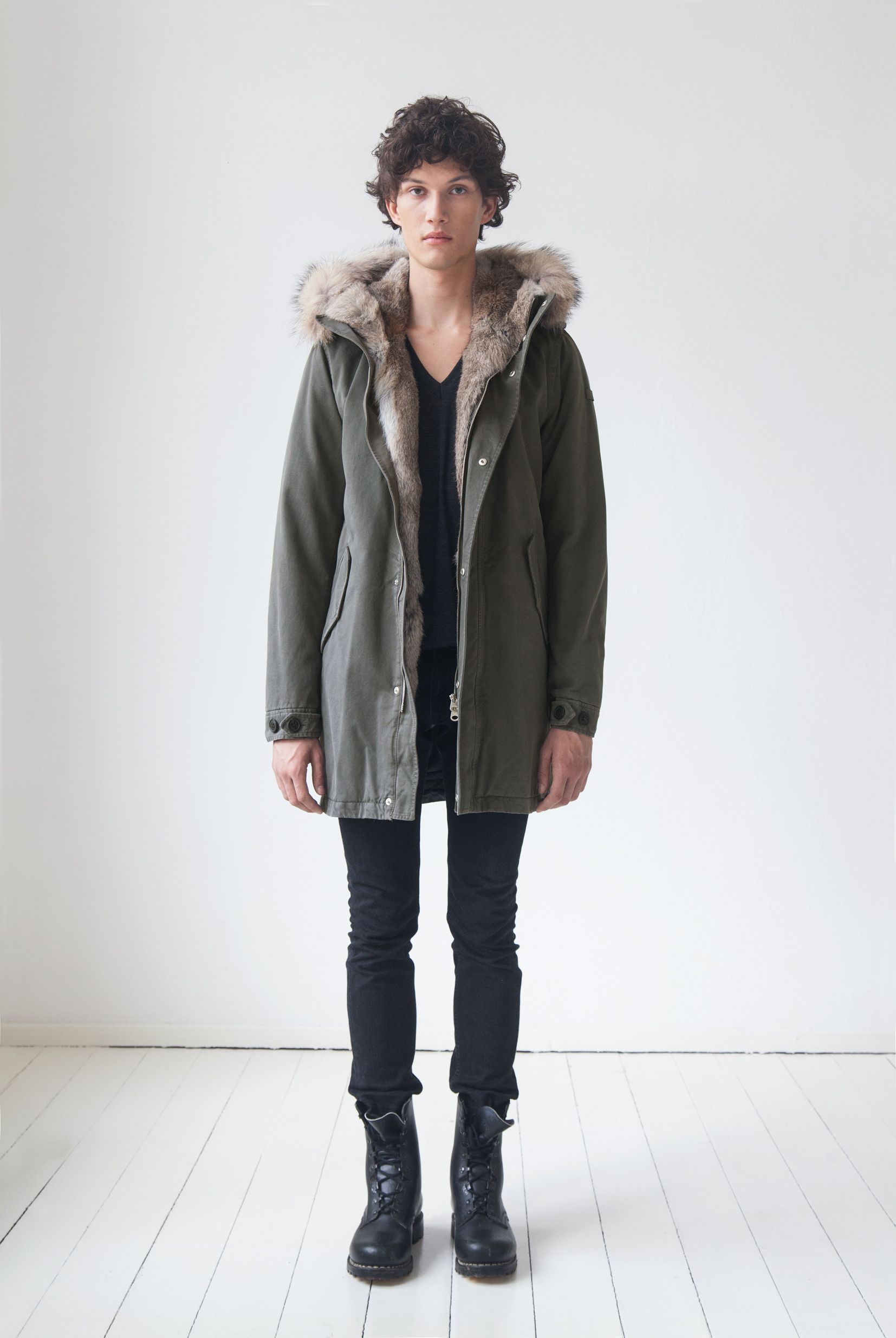 LEMPELIUS Fall Winter 2015 16 Men Military green cotton parka with rabbit fur and coyote trimming