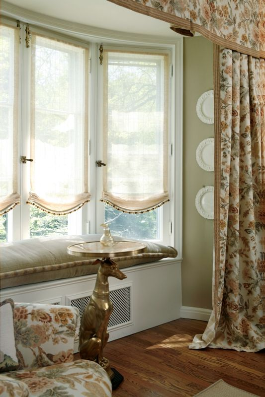 Love This For Bay Window Area Sheer Soft Roman Shade And Seat Set Off With Full Draperies Blinds Over Top Short Upper Valance