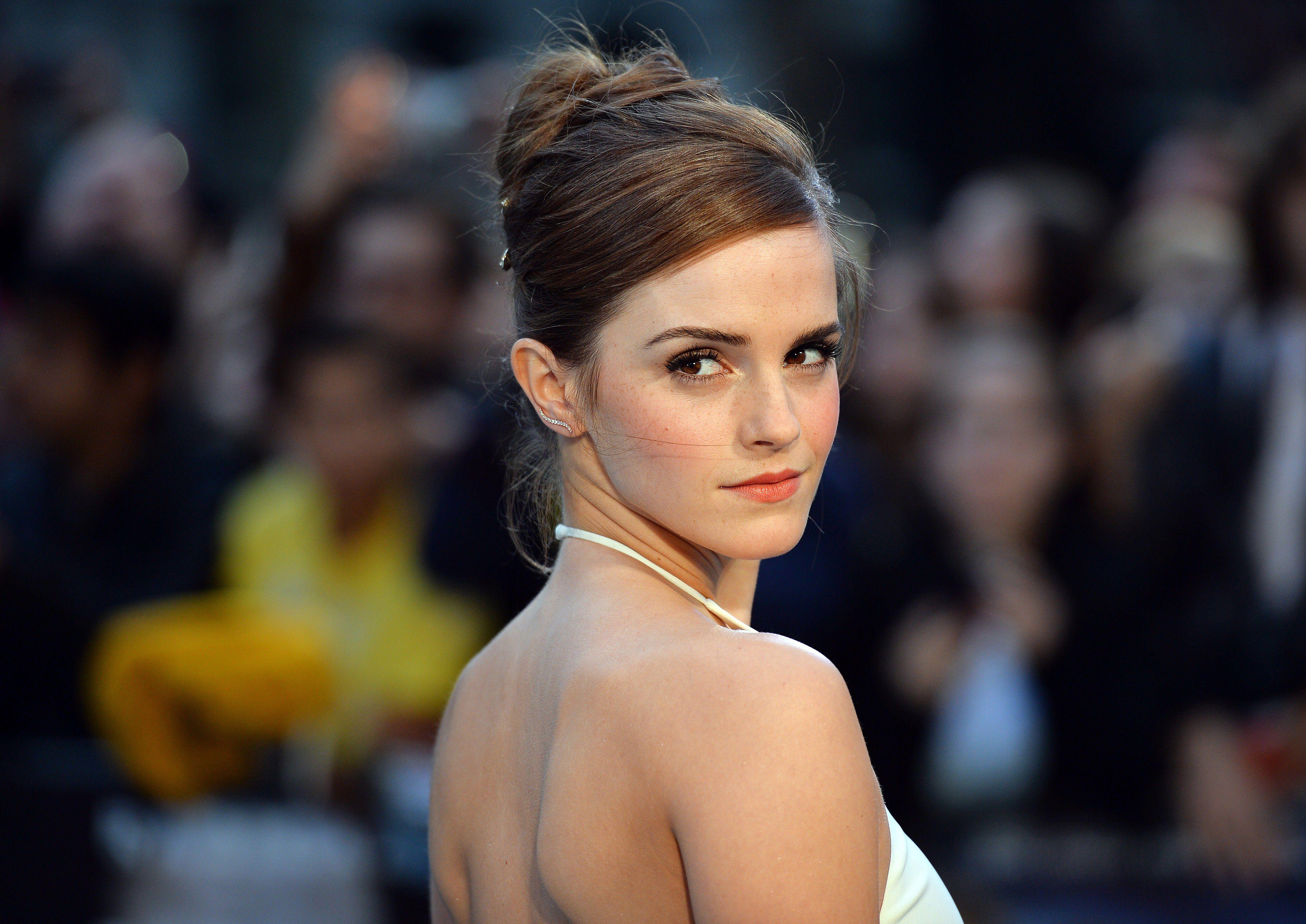 emma watson 17 Best images about Emma Watson on Pinterest   Emma watson elle, Oscar de  la Renta and Emma watson makeup