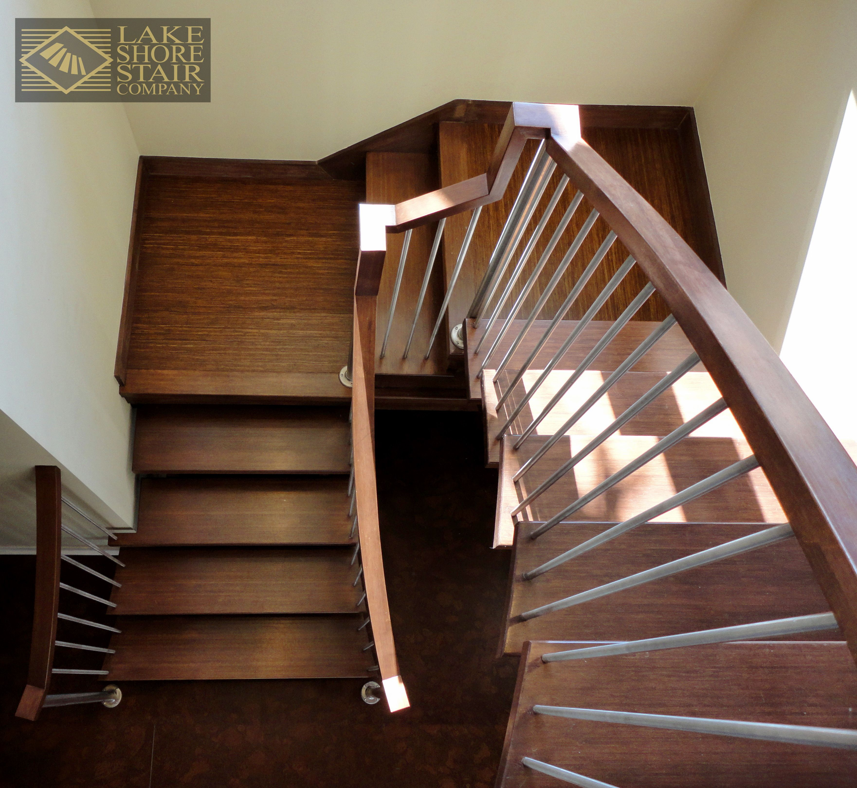 Best L Shaped Stair With Wood Treads L Shaped Stairs Stairs 400 x 300