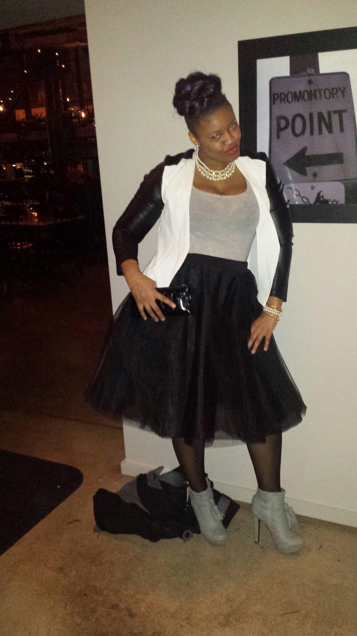 Tulle skirt on point