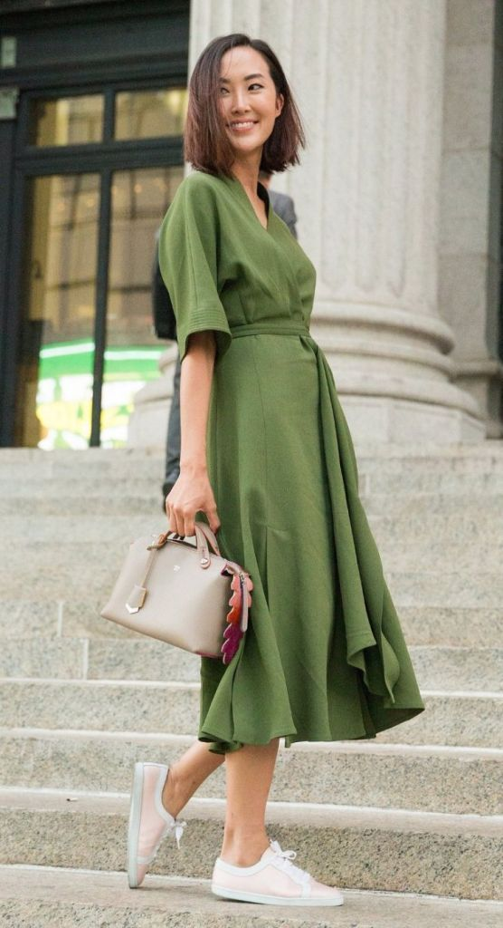 60+ Amazing Work Outfit Ideas With Sneakers