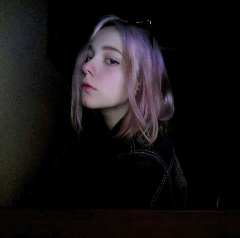 S e n s i t i v e 不同 aesthetic girl aesthetic photo gothic aesthetic girls characters sad girl