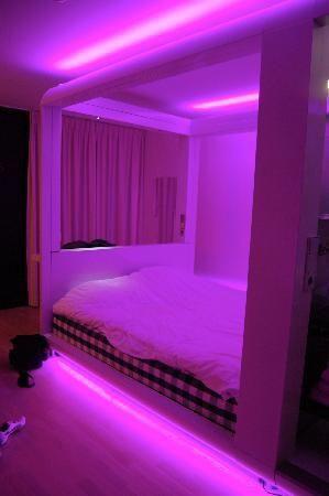 𝓛𝓲𝓷 P I N K Neon Room Neon Bedroom Neon Lights Bedroom