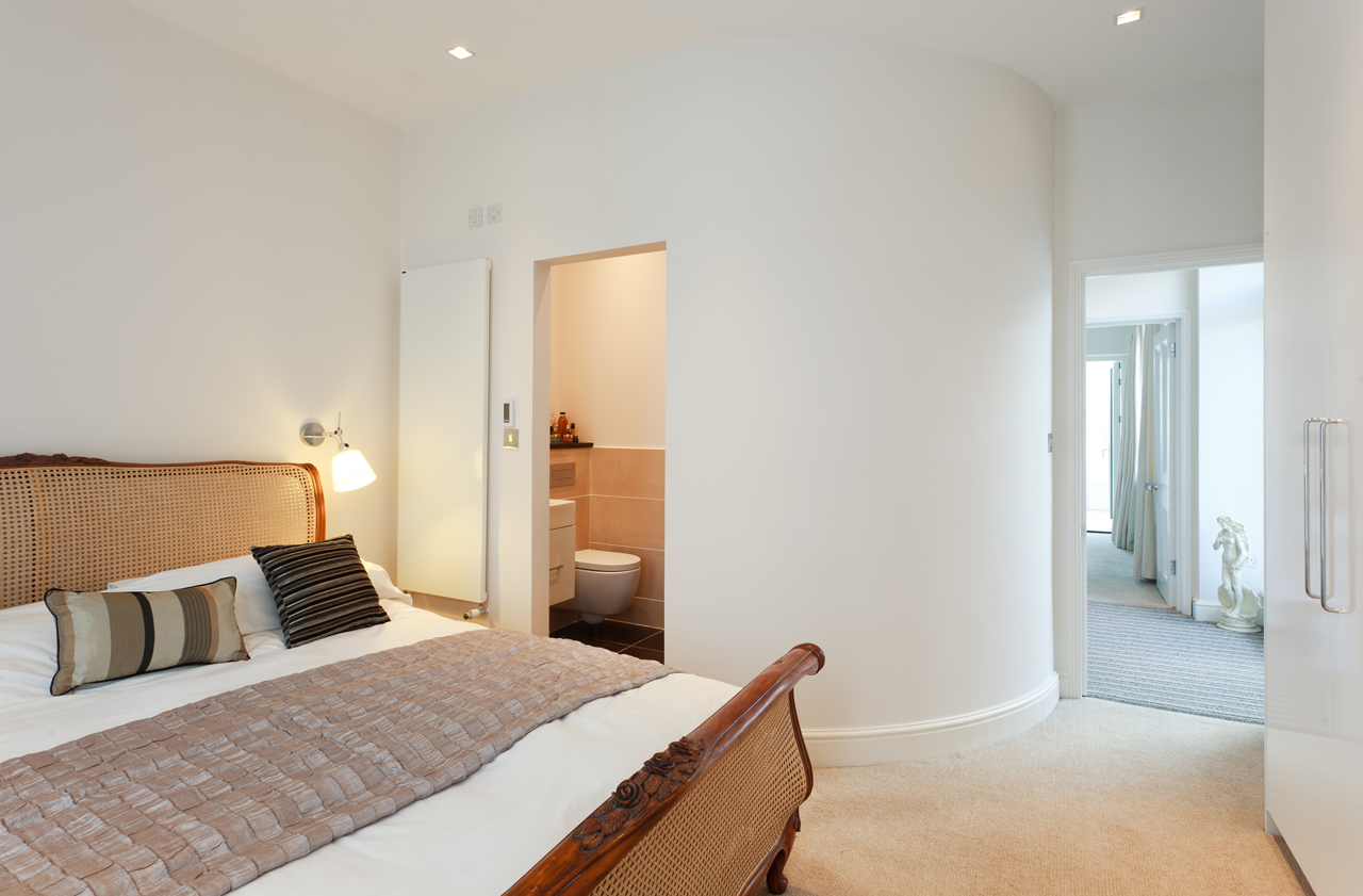 Curved bedroom wall from a house renovation in Fulham. http://www ...