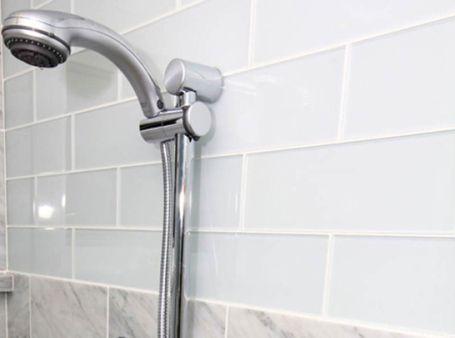 Choosing Tile Modwalls Designer Notes Glass Subway Tile Glass Subway Tile Backsplash Bathroom Wall Tile