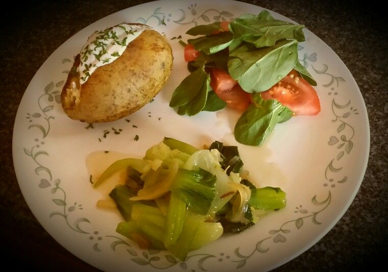 Baked potato, spinach and tomato salad with a honey lemon dressing and my first try at bok choy. Scrumptious!!!!
