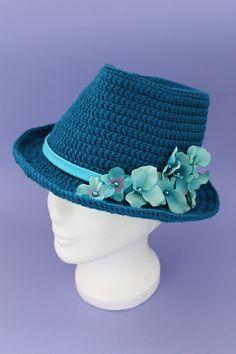 Häkelanleitung für einen Fedora-Hut von Ars Vera #crochetdressoutfits
