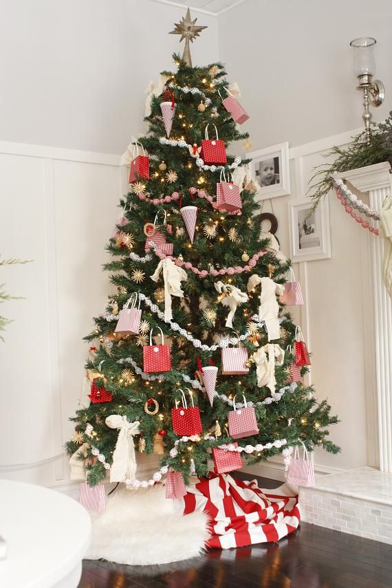 Mg 1712 Christmas Tree Goals Flocked Christmas Trees Decorated Christmas Decorations