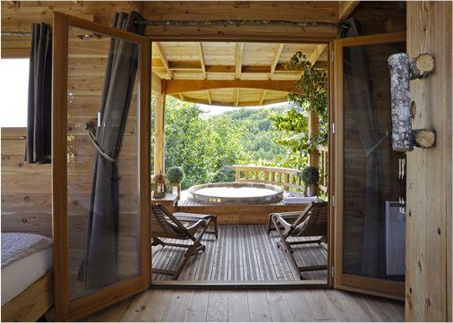 Chambre d 39 h tes insolite roulotte spa gites chambre - Chambre d hote couleur bois et spa ...