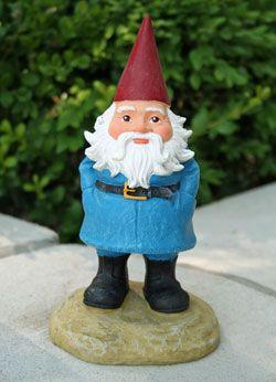 35c8673fce9558058817e9f1da09a0be the travelocity gnome is going in my yard i don't even care