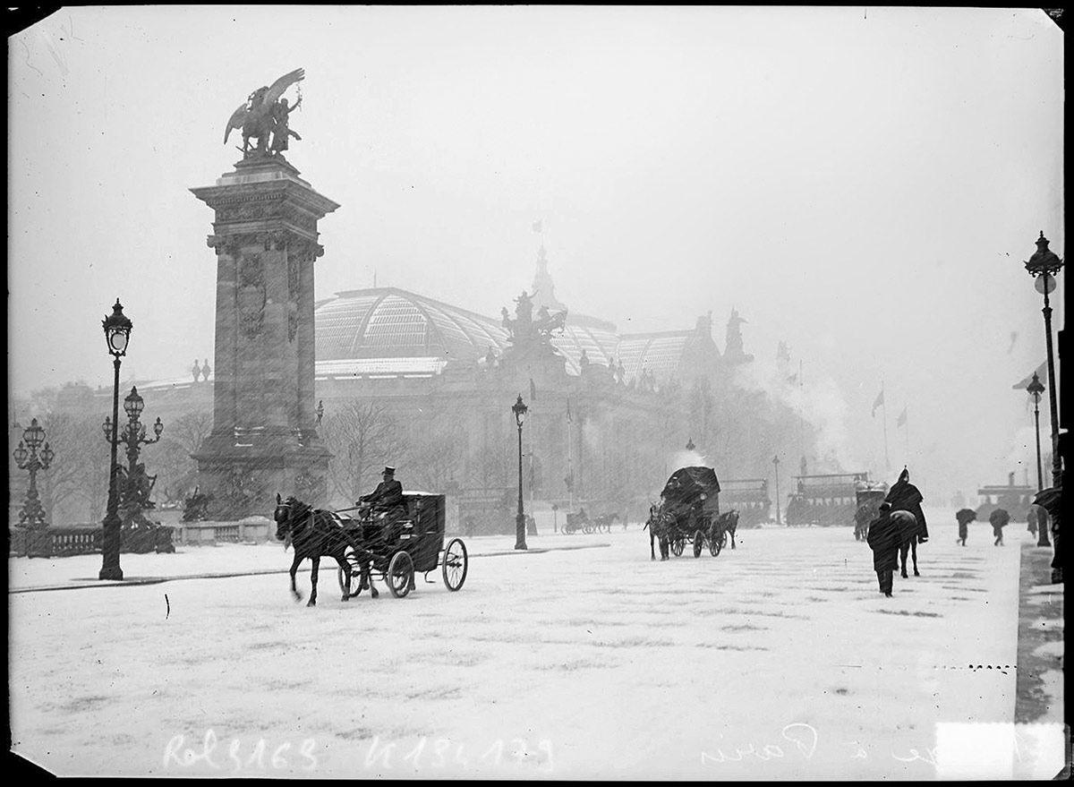 grand palais sous la neige en 1908 photo vintage noir et blanc paris les plus belles photos de. Black Bedroom Furniture Sets. Home Design Ideas