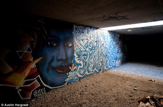 The Tunnel People Of Las Vegas How 1000 Live In Flooded Labyrinth