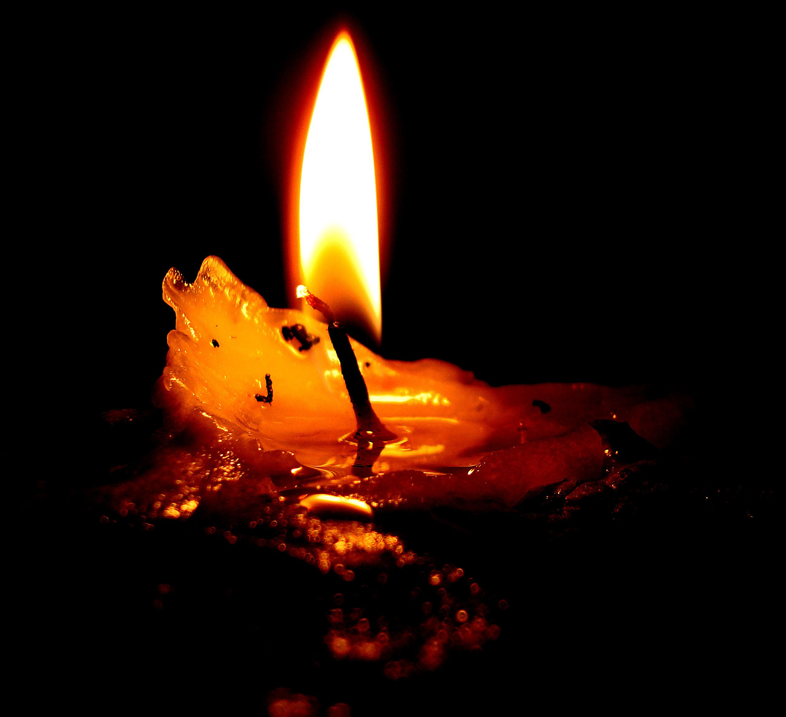 Ceromancy: The Fine Art of Candle Reading A form of divination ... for Holding Candle In The Dark  45gtk