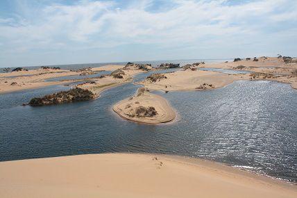 Dunas De San Cosme Y Damian Situadas Dentro Del Lago Yacyreta Encontramos A Estas Dunas Paraguay Trip Outdoor