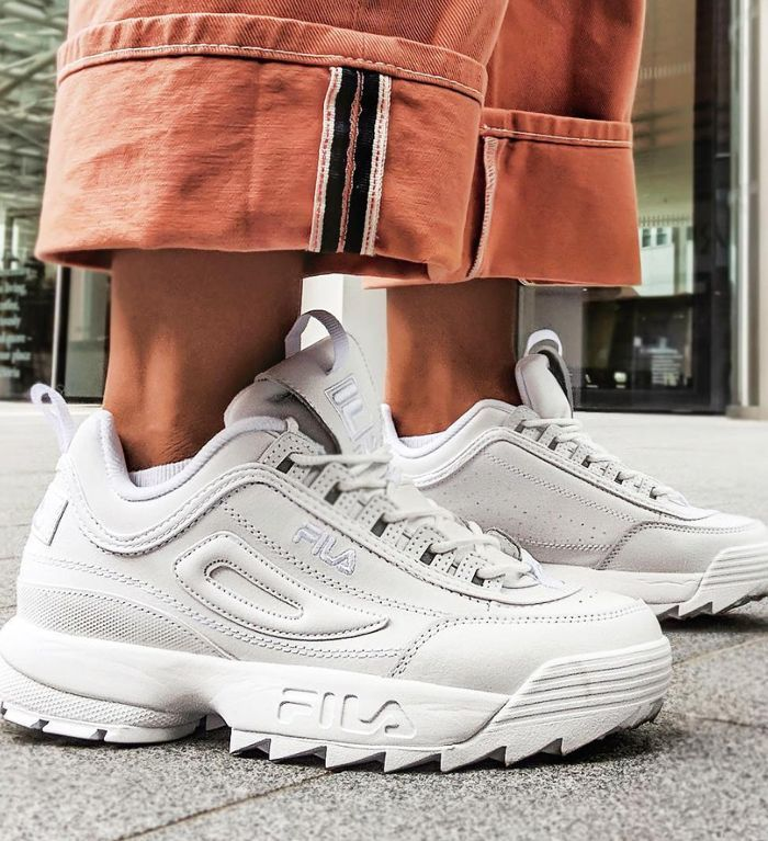 new product 35782 d125a The Sneakers Trending in London, Leeds, Manchester, and Glasgow in 2019    Street Style   Shoes, Tennis shoes outfit, Dad shoes