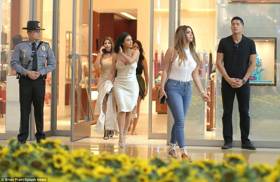 Kim Kardashian 7/23/16