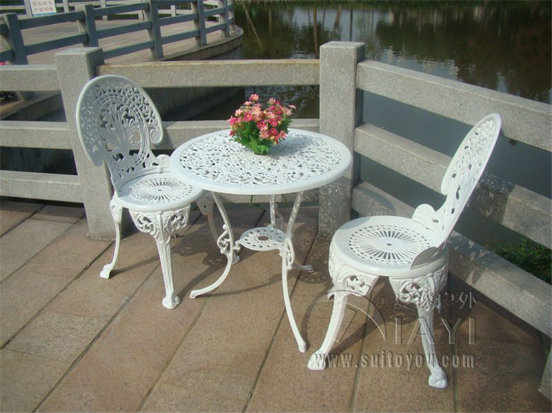 Image result for white iron patio furniture | Déco jardin ...