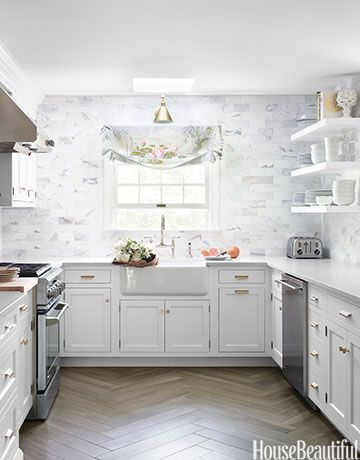 15 Ways To Decorate With Winter White Classic White Kitchen Kitchen Inspirations Kitchen Tiles Design
