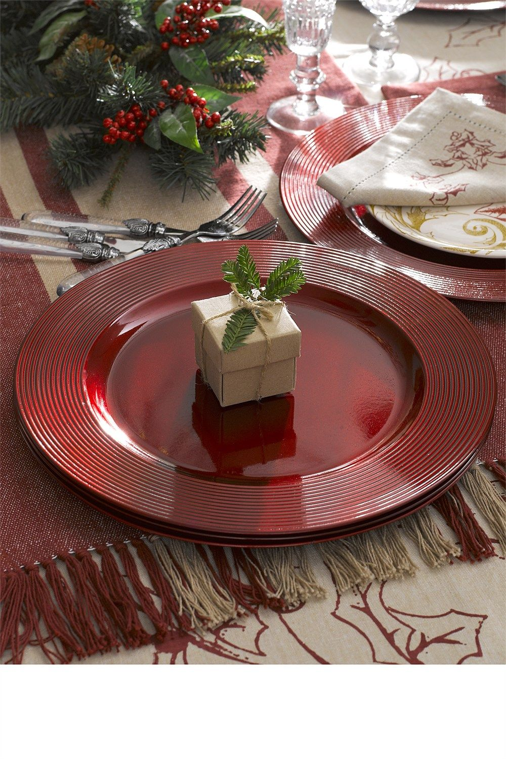 Trees, Wreaths & Decorations Glitter Charger Plates Set