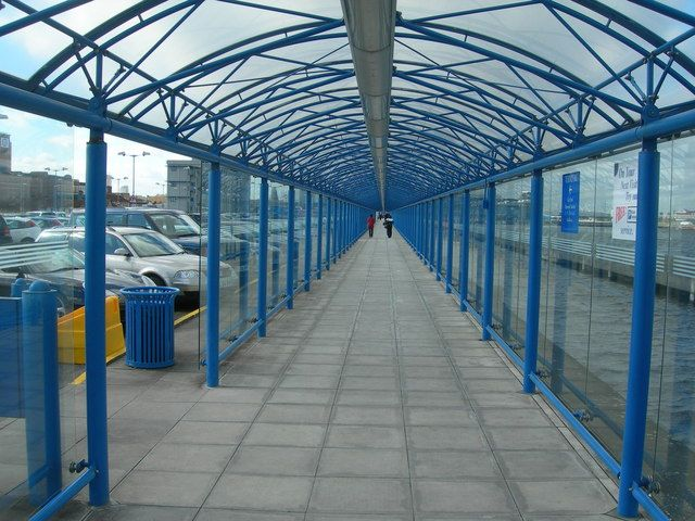 parallel planes in real life. parallel plane - this is a covered walkway which defines space as the pathway that planes in real life