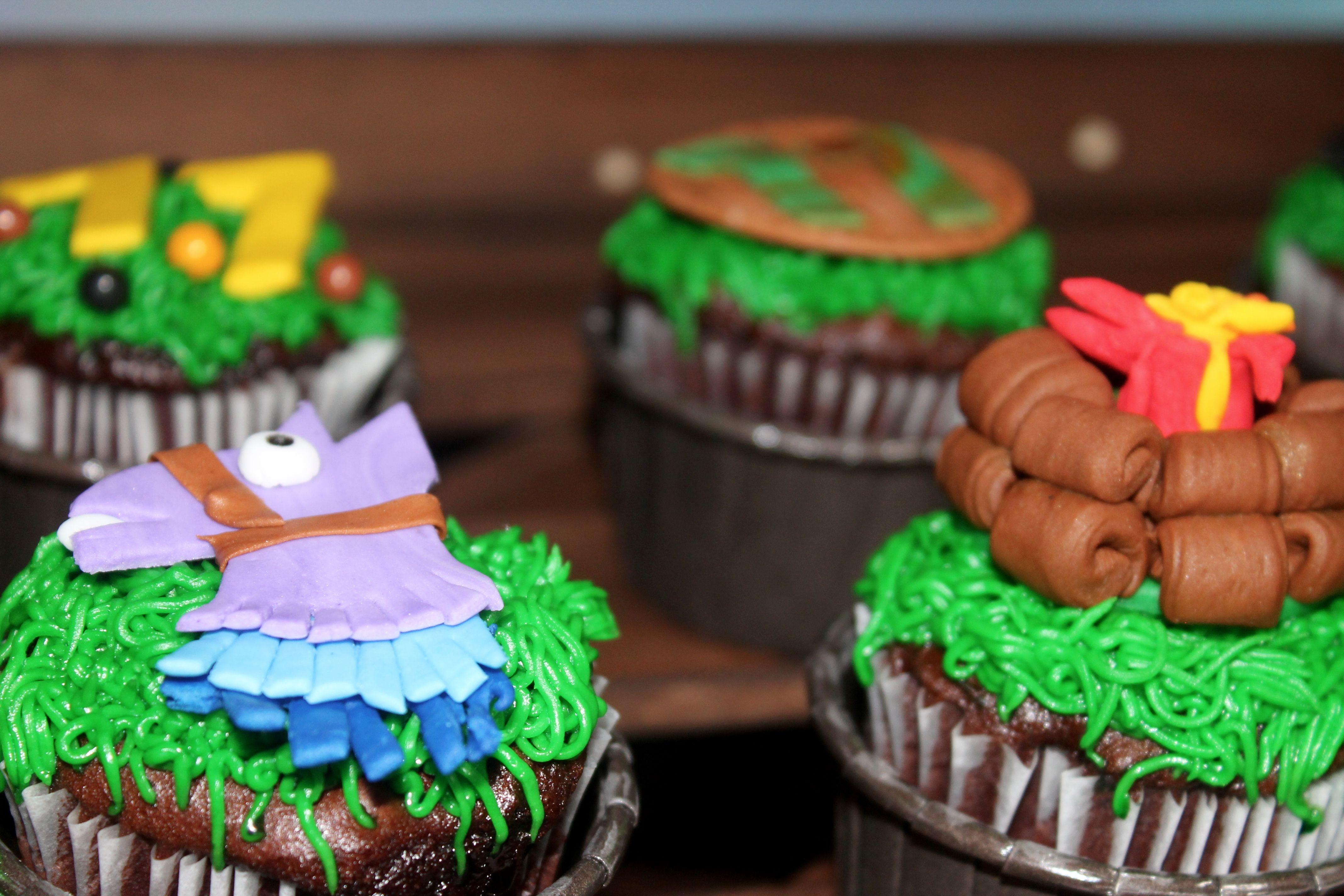 Fortnite Cupcakes Diy birthday cake, Cake decorating