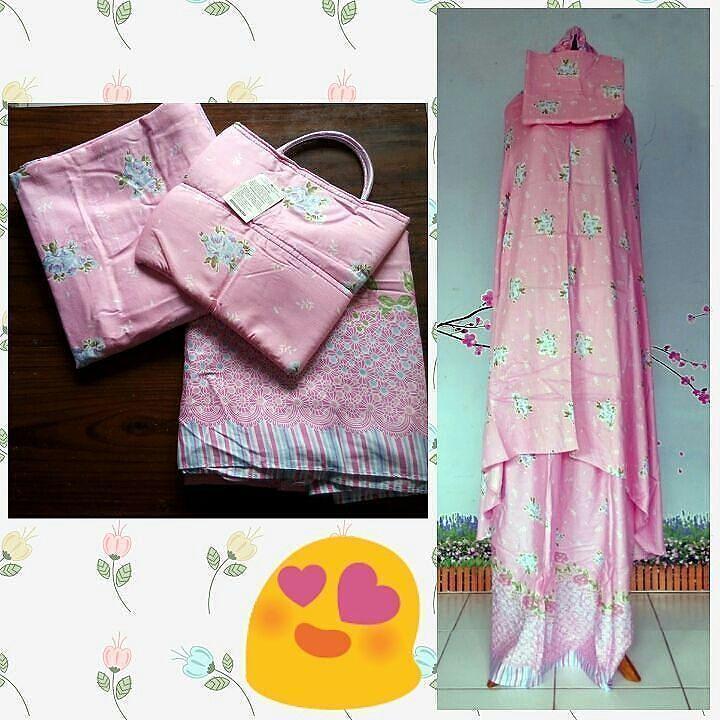 Mukena flower warna pink peach. Harga 85.000. 100% rayon yang adem lembut dan nyaman dipakai.  Ukuran all size panjang atasan 120 cm panjang bawahan 110 cm dan lingkar pinggul 102 cm.  Untuk order silahkan hubungi via WA di nomor 081327172699 Yuk difollow @mukena_muslimah_aisyah #mukena #mukenamurah #jualmukena #mukenaunik #mukenabali #onlineshop #mukenamotif #jualan #mukenadewasa #muslimah #mukenaadem #shabbychic #mukenalucu #trustedseller #jualanmukena #mukenah #mukenabordir…