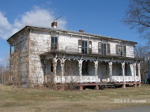 Abandoned House near Broadway VA USA 2009 R E Knowles