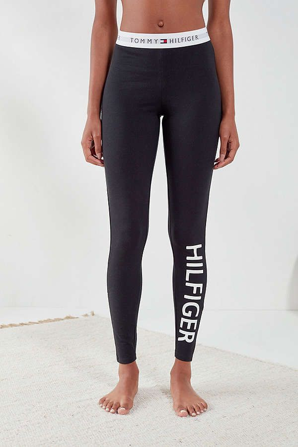 Tommy Hilfiger Uo Exclusive Jersey Legging Tommy Hilfiger Outfit Legging Outfits Und Tommy Hilfiger Leggings