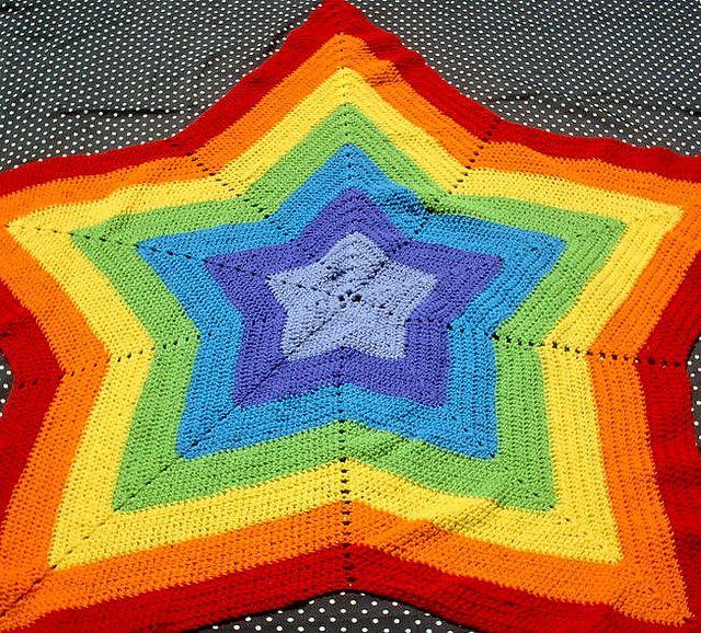 Rainbow Star Afghan | Forma de estrella, Abuelas y En forma