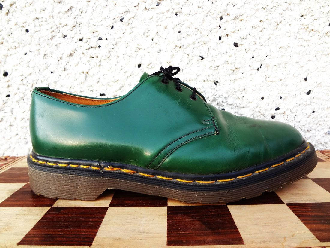 Vintage Green Dr Martens 1461 Oxford Shoes - Made In England - Size 8 UK  Mens, 8.5 US Mens, Size 10 US womens by BLACKMAGIKA on Etsy 047218965bc2