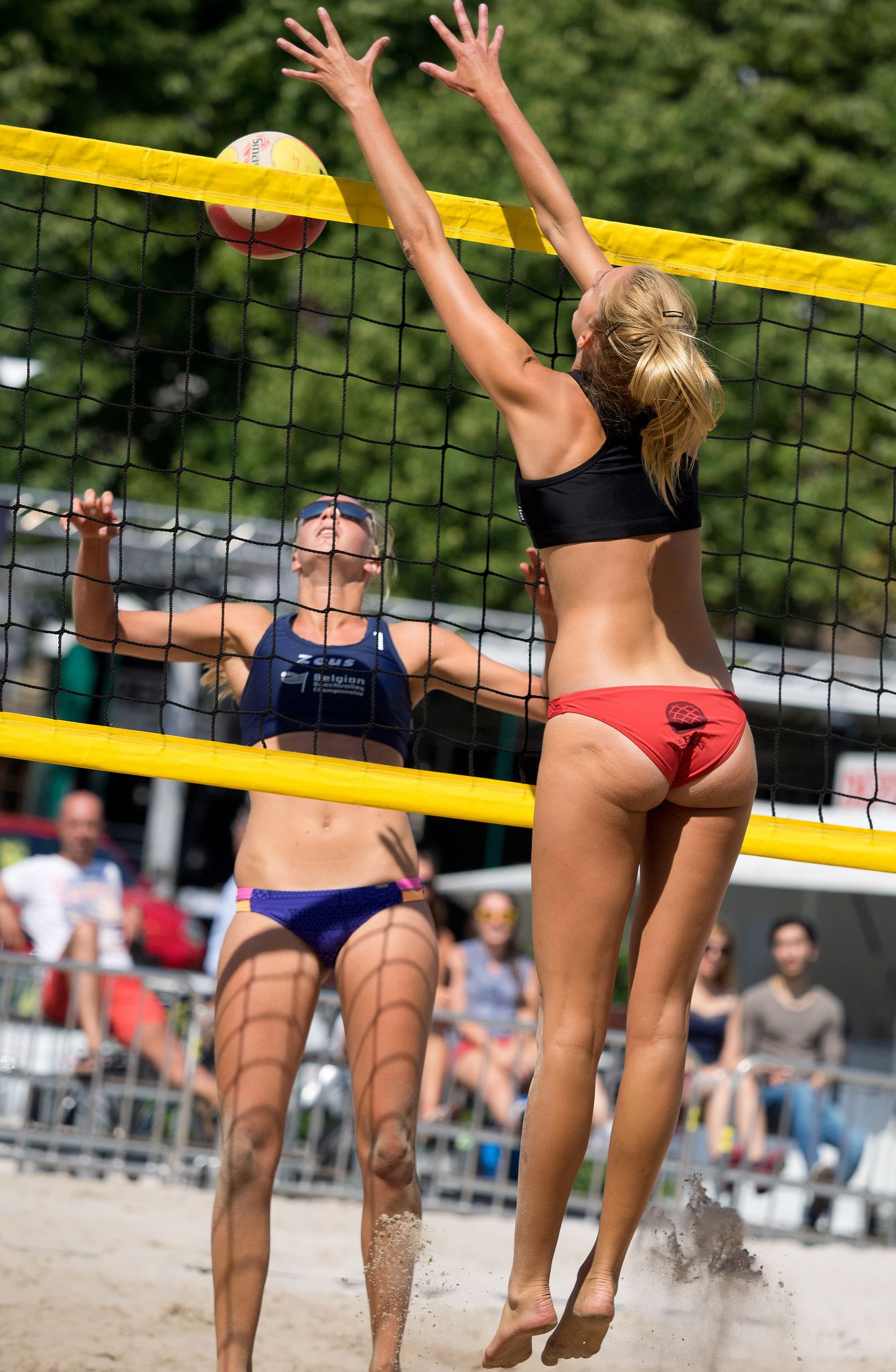 Pin By Kevin Carson On Beach Volleyball In 2020 Women Volleyball Beach Volleyball Volleyball Shorts