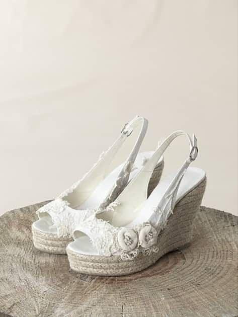 7b12d7dfd8 Los zapatos ideales para una boda en la playa - bodas.com.mx