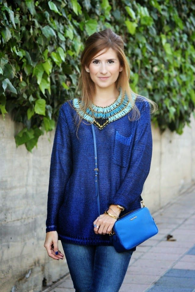Casual Look. Blue outfit. A trendy life. #bluelook #outfit #bluenecklace #fashionblogger #atrendylife www.atrendylifestyle.com