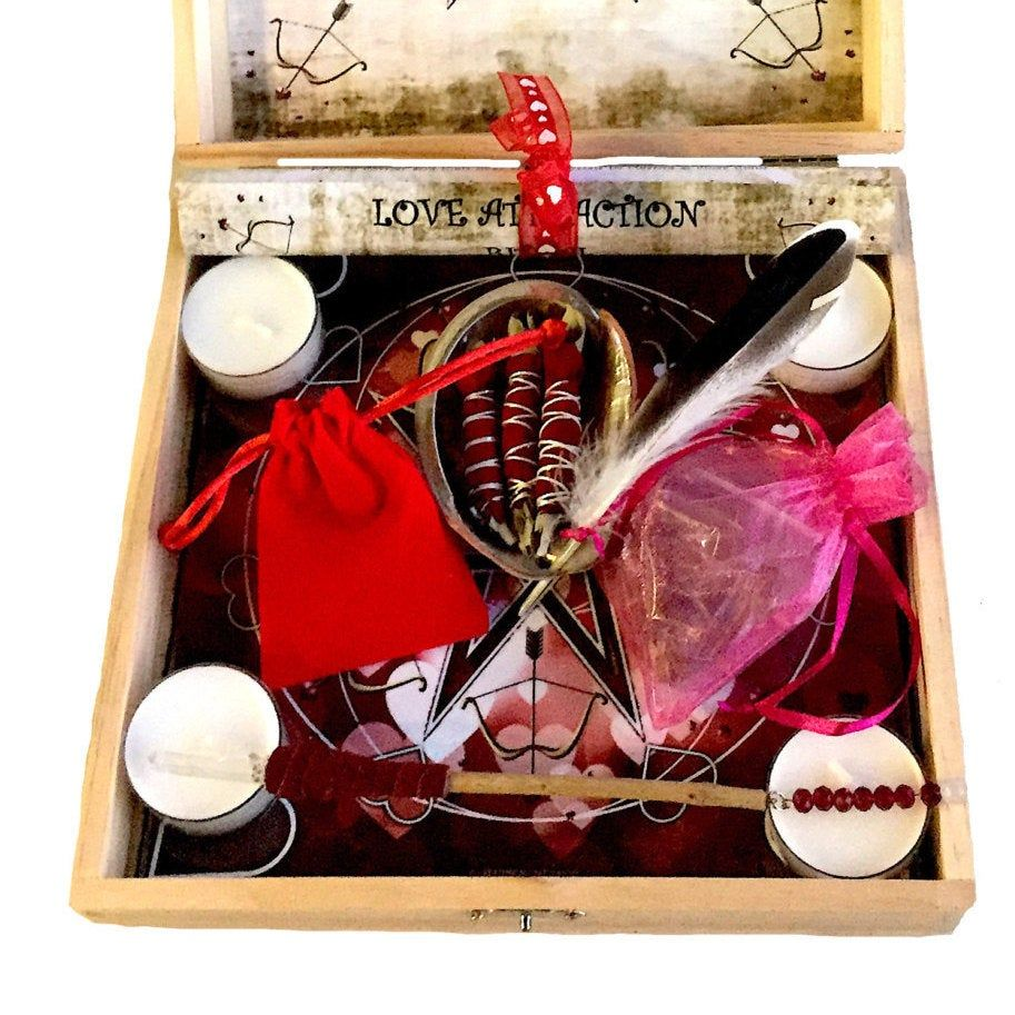 Witch/'s Love Spell Kit