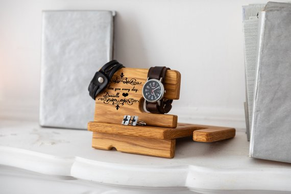 Custom Coworkers Gift Boss Man Wooden Docking Charging Station Christmas Cool Office Gifts Personalized Phone Stand Docking Station Personalised Gifts For Him