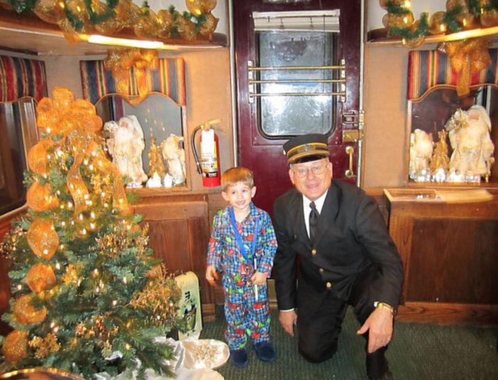 polar express branson mo in the book children on the polar express wore their pajamas since it was nighttime children are encouraged to do the same - When Does Branson Mo Decorate For Christmas