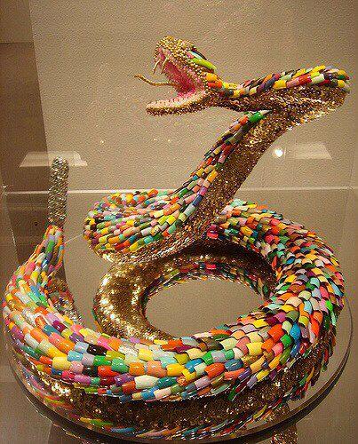 snake art made from fake fingernails | fingernail & toenail art, Cephalic Vein