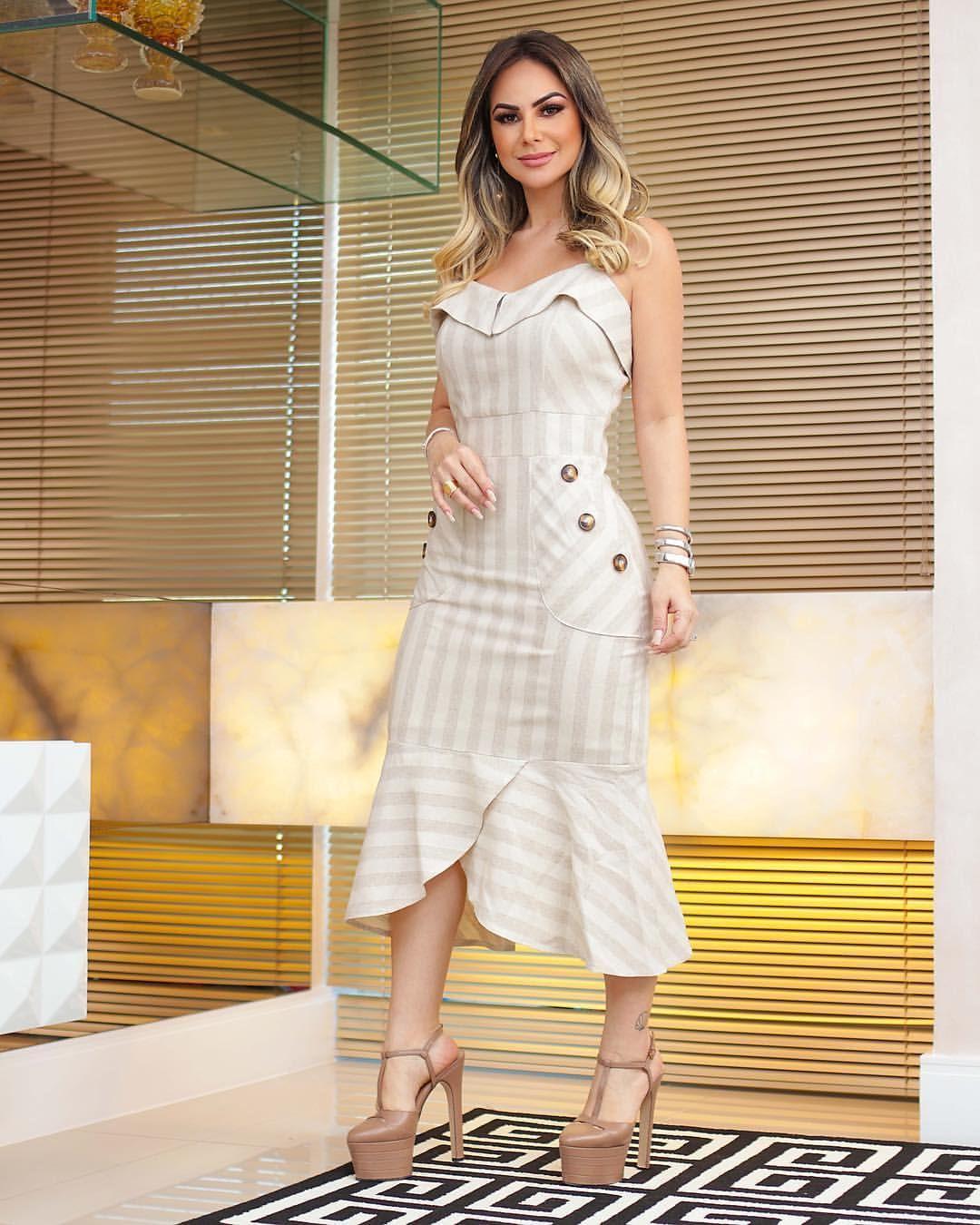 7caa426c0f12 Dress Midi Linho, detalhes de botões tartaruga. Perfeito para qualquer  ocasião. #modafeminina #vemver #summer19 #stripers