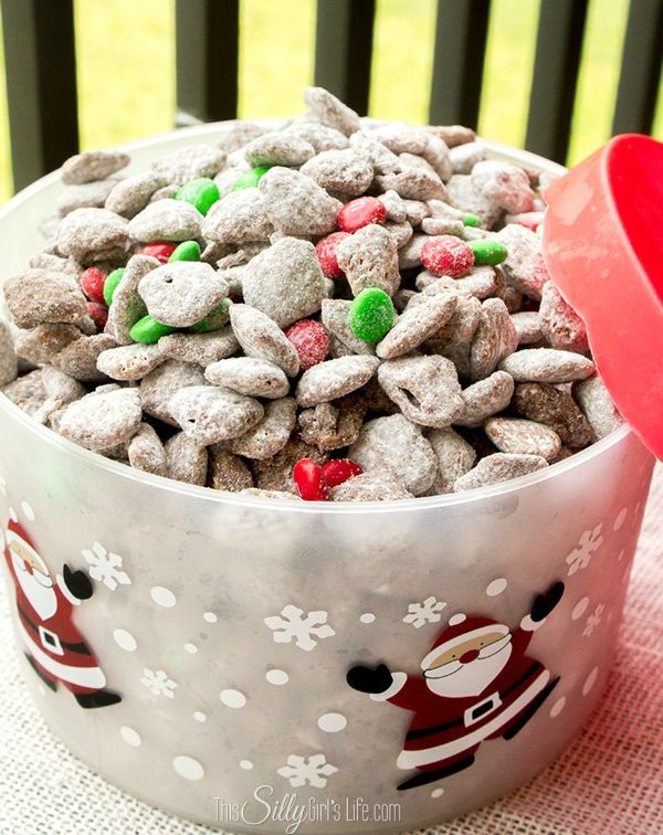 Reindeer Chow (Muddy Buddies) Reindeer Chow (Muddy Buddies) -