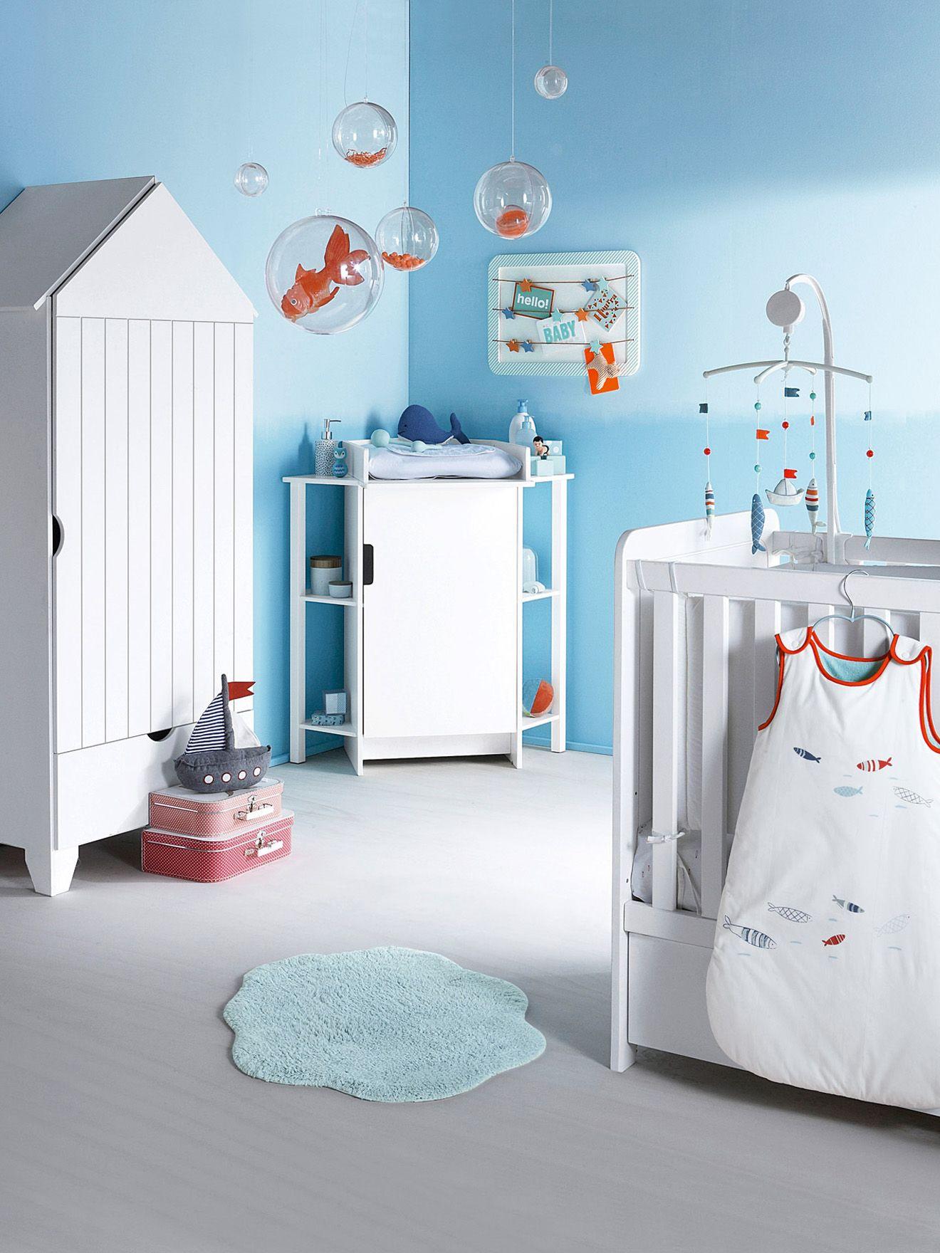 chambre bébé enfant déco bord de mer mur bleu claire armoire cabine ...