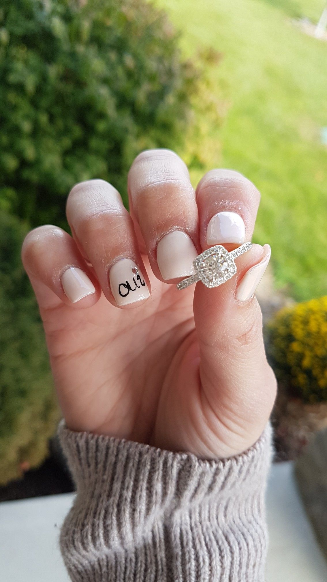 Oui Is French For Yes Cute Engagement Nail Art Engagement Nails Engagement Nail Art Wedding Nails Glitter