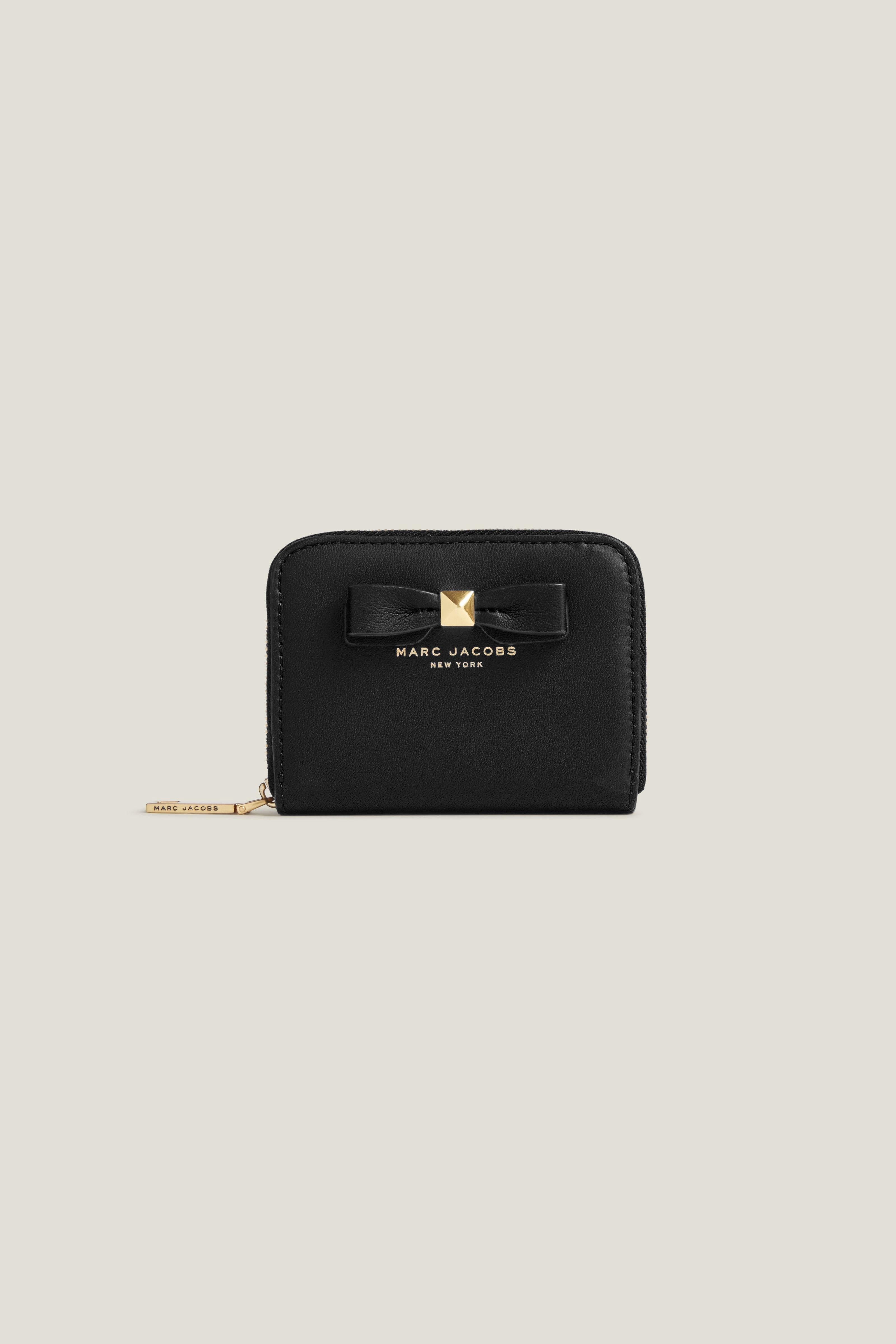 MARC JACOBS Zip Card Case With Bow. #marcjacobs #bags #leather ...