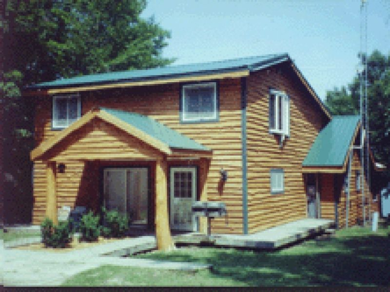 Millers Lakeview Cottage is on South Manistique Lake
