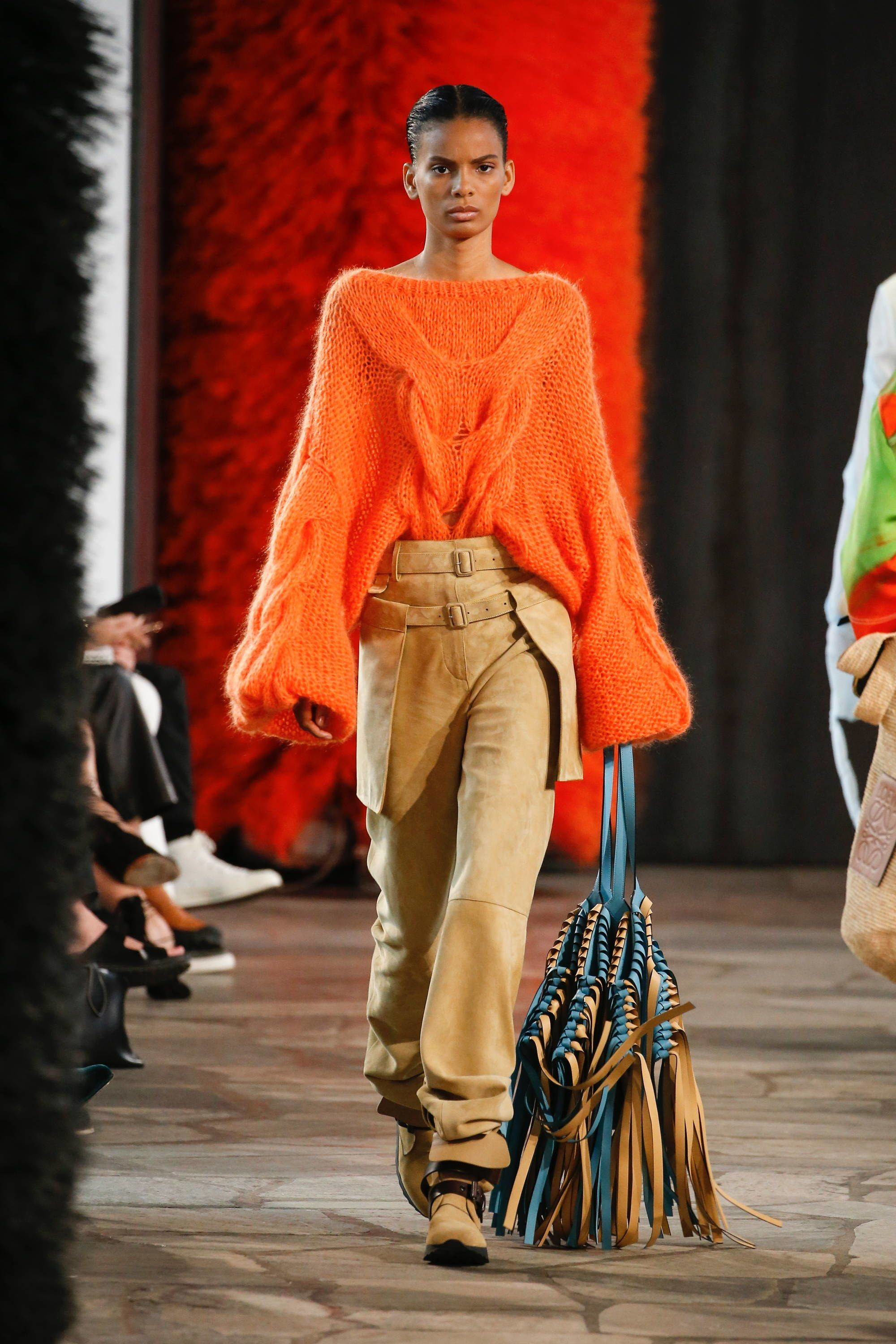 Loewe Spring 2019 Ready-to-Wear Fashion Show in 2018 ...