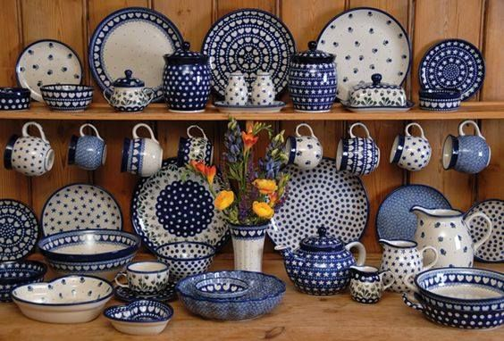 Such A Nice Display For A Polish Pottery Collection Polish Pottery Boleslawiec Boleslawiec Pottery Polish Pottery