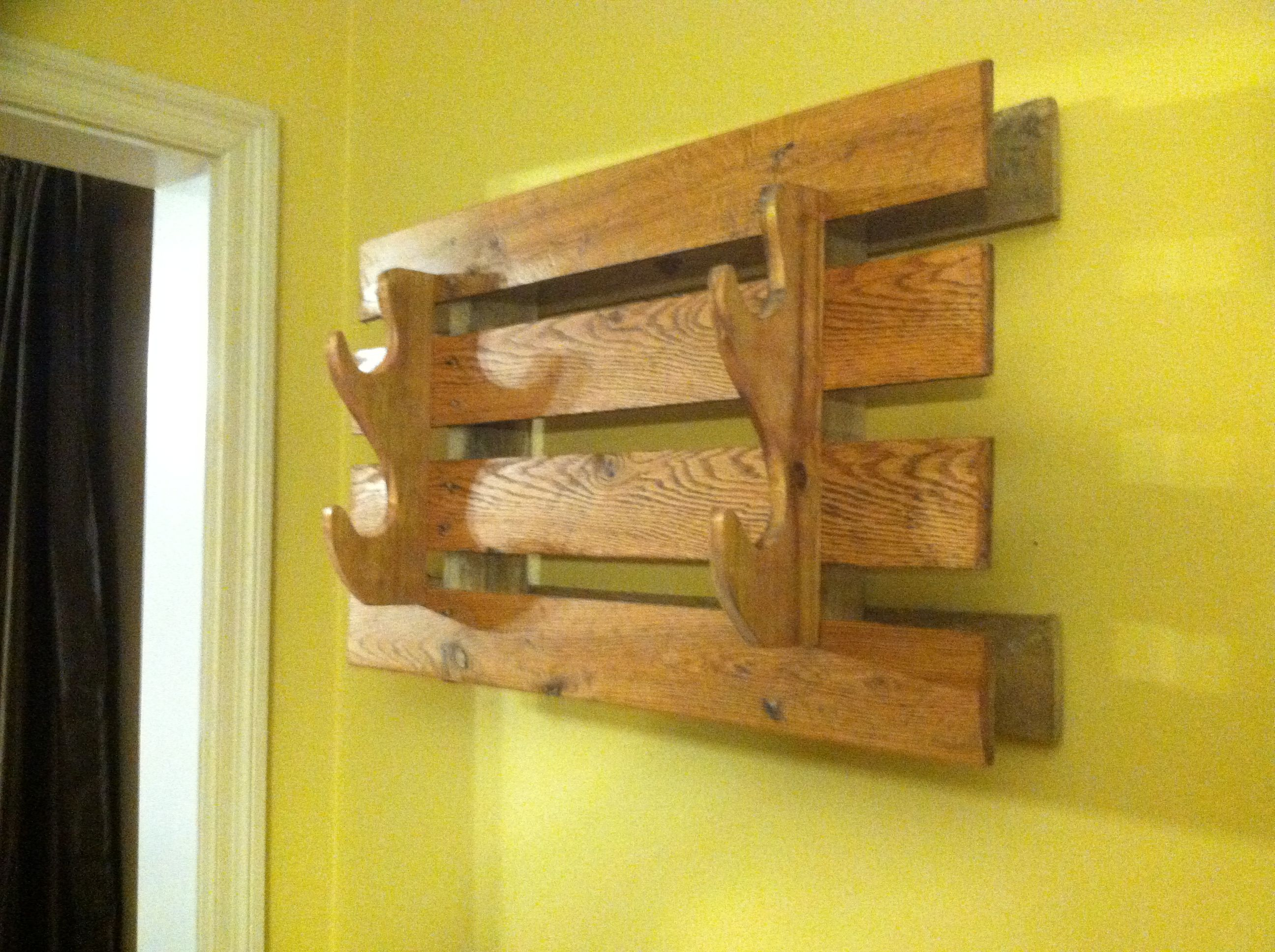 Pin On Reclaimed Pallet Turned Gun Rack