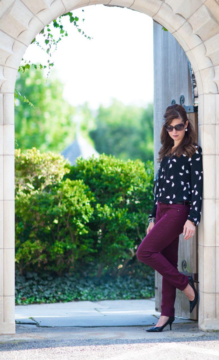 Stylish & sleek with a Liz Claiborne long-sleeve print top