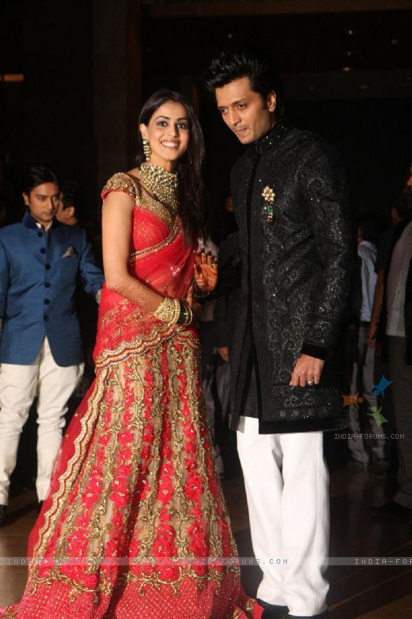 Genelia Dsouza And Ritesh Deshmukh Wedding Reception Photos