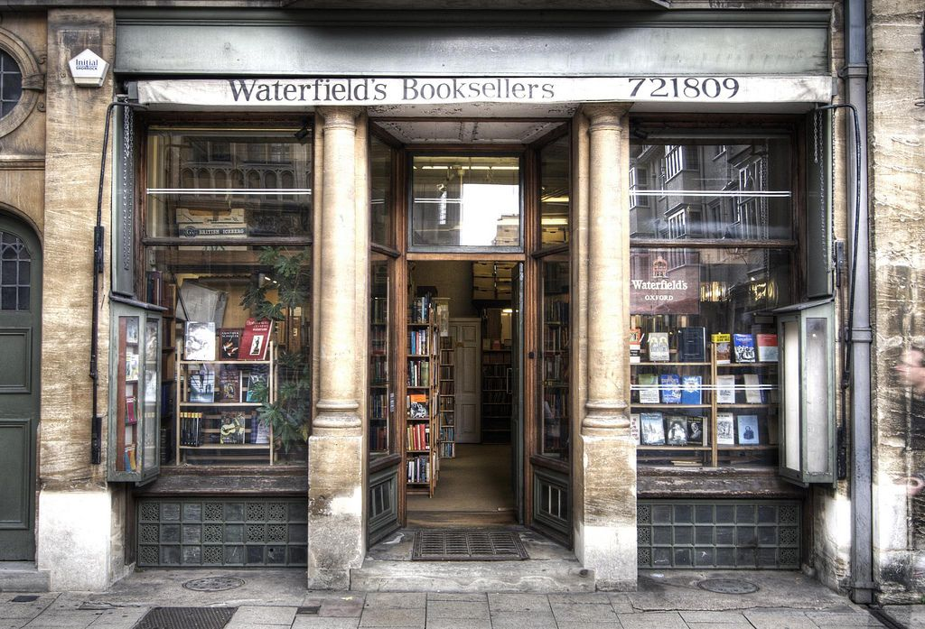 Waterfield's Booksellers in 2019 | oxford | Books, Book cafe